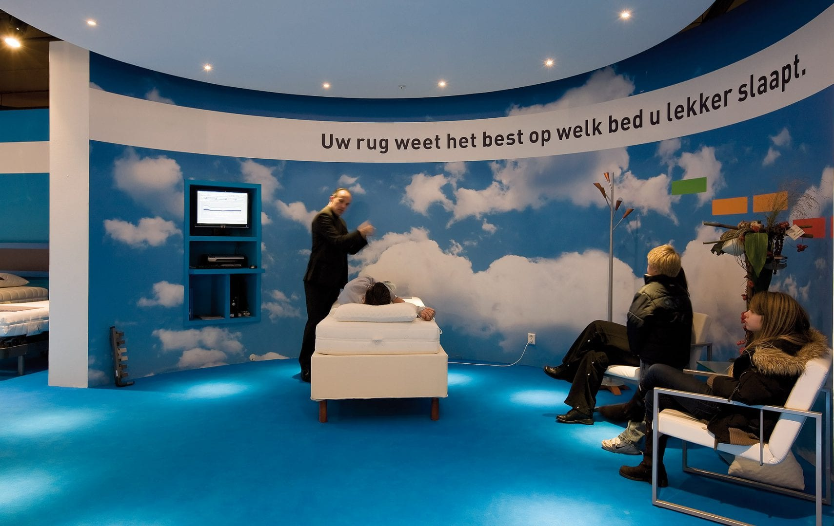 DST_morgana_02_bed_experience_retailconcept_exhibtion